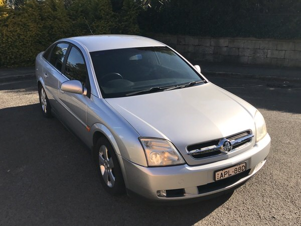 Used Holden Vectra for sale - automatic - front drivers side view