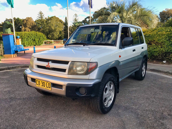 Mitsubishi Pajero For Sale in Sydney - front side view passenger side