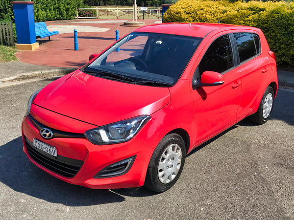 Automatic Hyundai i20 for sale - front passenger side view