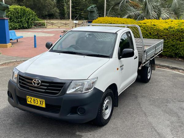 Used Toyota Hilux tipper for sale in fantastic condition - 2014 model