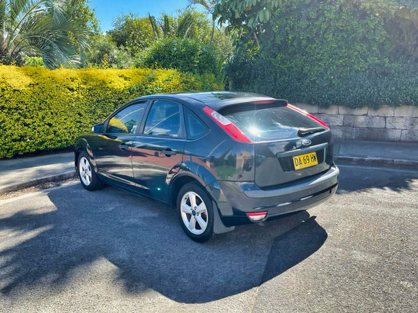 Automatic Ford Focus for sale - rear passenger side view