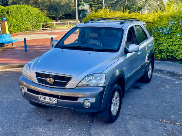 Used Sorento for sale - front passenger side view
