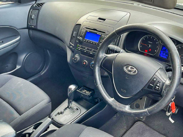 Hyundai i30 for sale - automatic model - view from the drivers seat