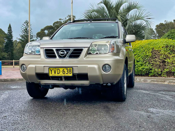 Used Nissan 4x4 for sale in Sydney - front straight on side view