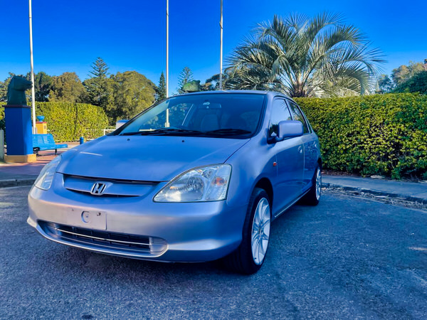 Used Honda Civic for sale in Sydney - view from the front side angle from the passenger side